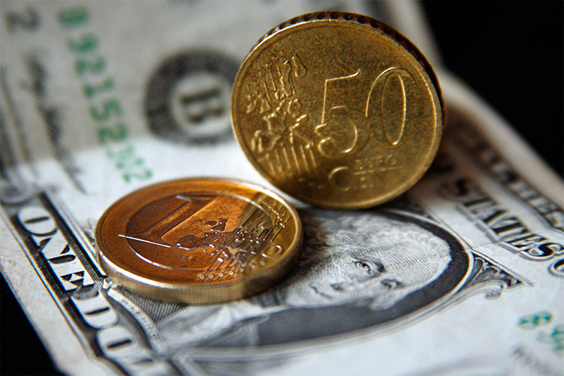 Прогноз евро и доллара на июнь и июль 2014